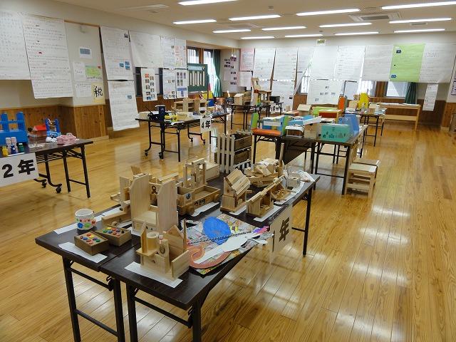 夏休み作品展(9月7日~9日)を実施しました。小学生のみの展示です。
