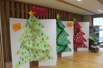 生徒会が取り組んだクリスマス飾りがあります。